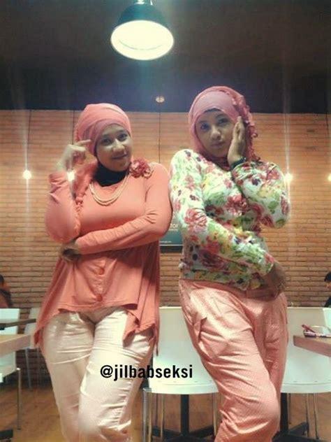 foto duo hijab seksi foto duo hijab seksi jilbab seksi