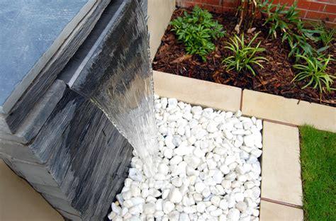 fontane giardino moderne 6 idee per le fontane moderne da giardino