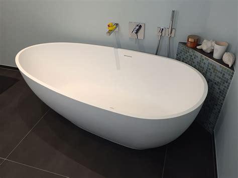 freistehende badewanne mineralguss freistehende badewanne luino aus mineralguss wei 223 matt