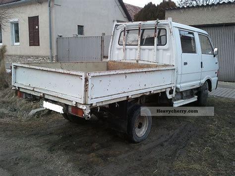mazda e2200 truck mazda e2200 1989 stake truck photo and specs