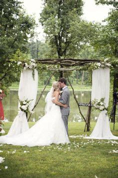Wedding Arch Already Decorated by Decorated Wedding Arch With Burlap And Sunflowers