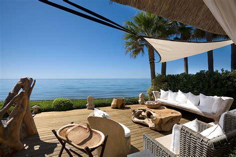 propiedades primera linea de playa marbella apartamentos  villas en venta costa del sol