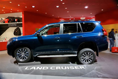 toyota land cruiser prado 2018 toyota land cruiser prado facelift drops by frankfurt