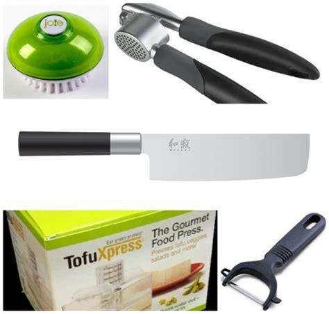 kitchen essentials 2 knives 10 kitchen essentials for vegan cooking vegan american