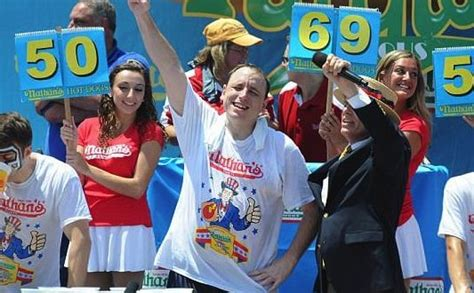 can dogs eat chestnuts contest chion joey chestnut favored canada journal news of