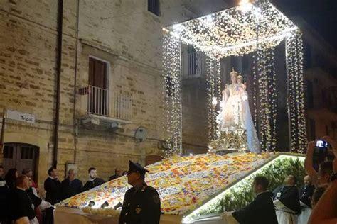 casa di cura madonna rosario terlizzi la processione della madonna rosario sul