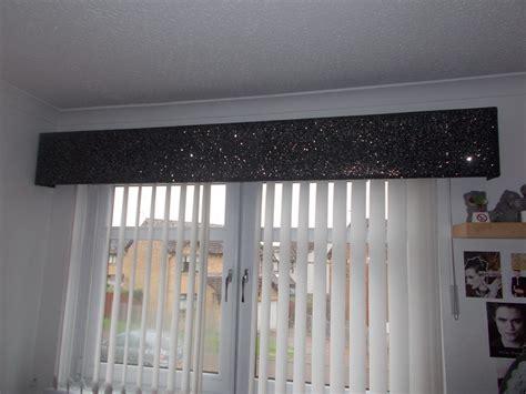 glitter wallpaper glasgow glitter pelmet gallery
