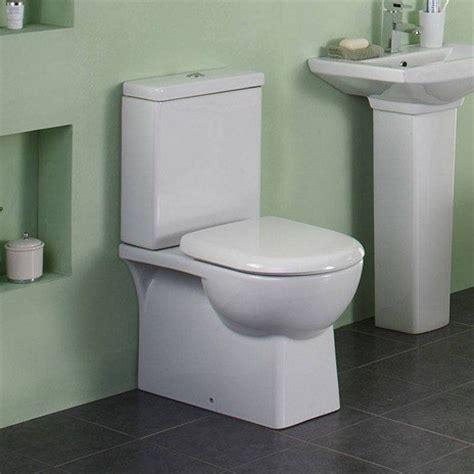 cuarto de ba o con ba era y ducha c 243 mo puedes arreglar una cisterna que est 225 rota