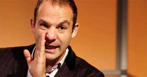 martin lewis reveals  reasons     pay  card      time
