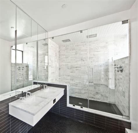 Badezimmer Fliesen Ideen Schwarz Weiß by Gebadet In Farbe Wann Verwendet Schwarz Im Badezimmer