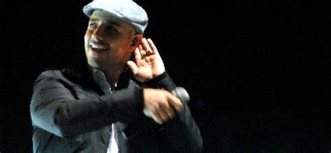biography maher zain dalam bahasa inggris maher zain kembali nyanyikan lagu bahasa indonesia
