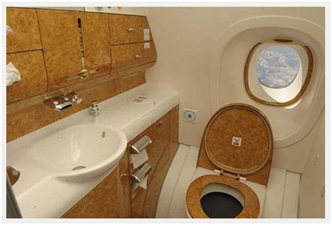 airbus a380 bathroom a380 bathroom loo with a view blog airpigz