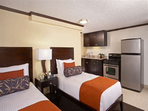 Hotel Rooms With Kitchen by Waikiki Boutique Hotels Rooms Suites Aqua Bamboo