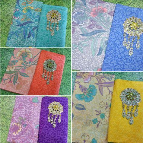 1 Set Kain Batik Print Prada Dan Embos 2 kain batik print soft motif bunga dan kain embos ka2 11