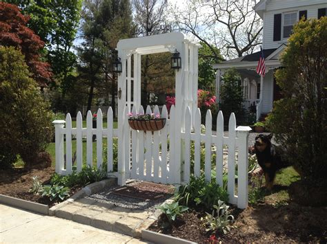Garden Arbor With Gate White White Picket Fence Garden Gate And Arbor Gardening