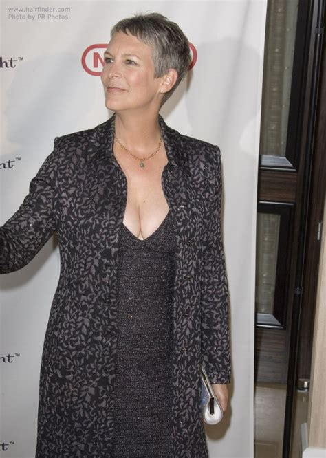 jamie lee curtis with silver hair classy and very short haircut jamie lee curtis with silver hair classy and very short