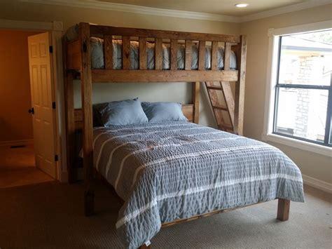 perpendicular bunk beds best 25 queen bunk beds ideas on pinterest bunk rooms