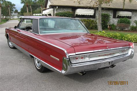 65 Chrysler New Yorker by 1965 Chrysler New Yorker