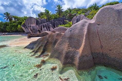turisti per caso seychelles spiaggia alle seychelles viaggi vacanze e turismo
