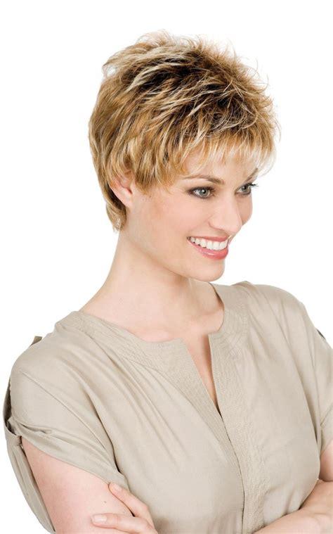 coupe et couleur cheveux courts 2017