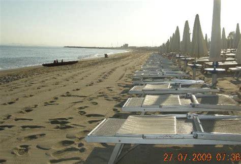 porto rosa slovenia spiaggia verso portorosa picture of bravo baia di