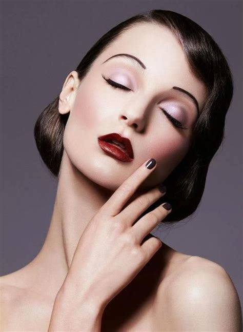 pictures of 1920s makeup 20 s inspired makeup deep red lips sharp thin eyebrows