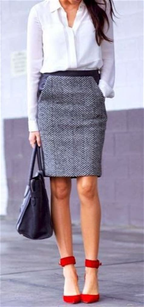 gorgeous and girlish pencil skirt for work 1