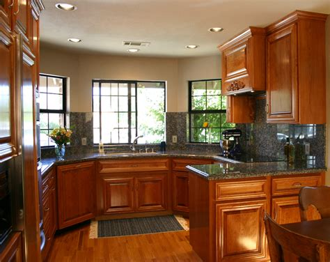 Painter For Kitchen Cabinets by Painting Kitchen Cabinets By Yourself Designwalls