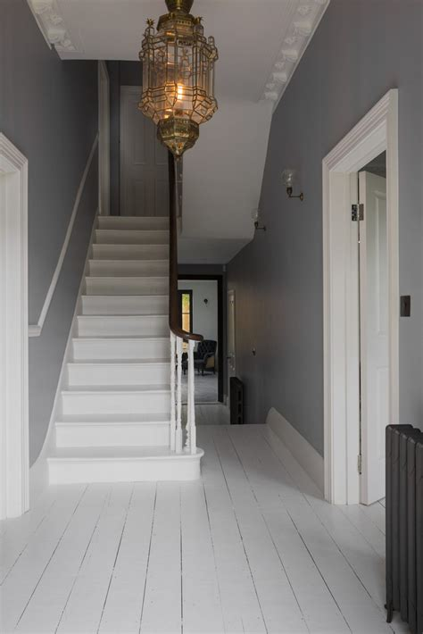 gold wallpaper hallway 15 stairway lighting ideas for modern and contemporary