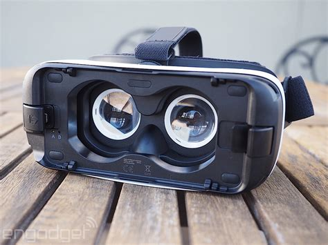 Headset Ori 99 Samsung Model S6 White Only T0310 2 samsung gear vr review 2015 a no brainer if you own a