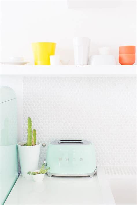 cuisine couleur pastel une cuisine aux couleurs pastel frenchy fancy