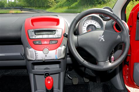 peugeot pars interior peugeot 107 interior light imgkid com the image