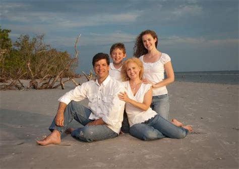 family of 4 picture ideas bing family of four photo poses family posing pinterest