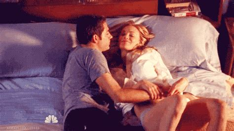 love couple wallpaper gif couple gifs get the best gif on giphy