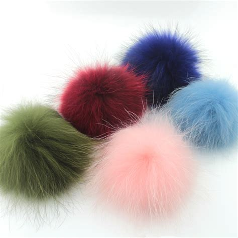 Free Pompom Warna Pompom Random free shipping 2013 winter s new real raccoon fur caps models picture