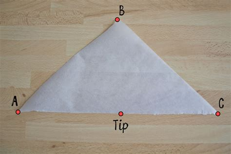 How To Make Piping Bag Out Of Parchment Paper - how to make a piping bag out of baking paper best model