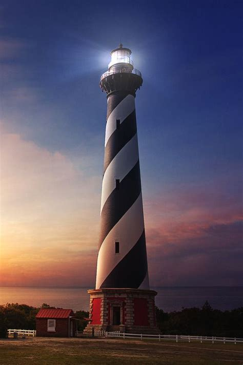cape hatteras lighthouse at sunrise on the north carolina