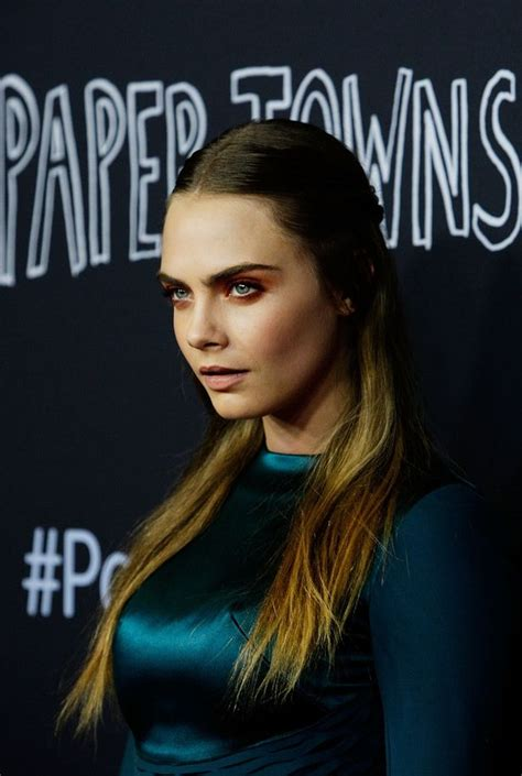cara delevingne paper towns sydney premiere 23 cara delevingne and girlfriend st vincent are recording