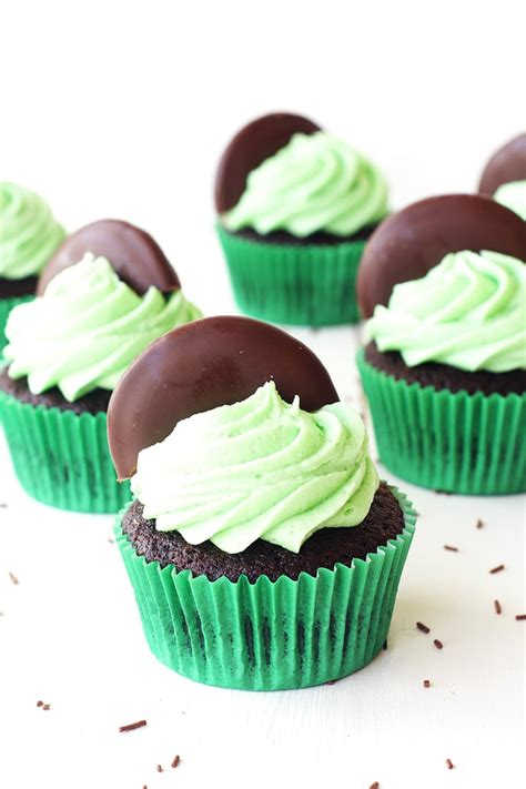 chocolate mint chocolate mint cupcakes easy and delicious bake play smile