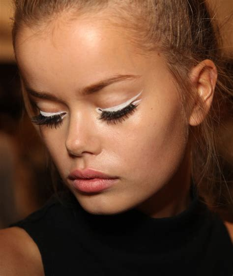 new beauty trends fashionable makeup looks refinery29 pictures spring 2015 beauty trends from new york fashion