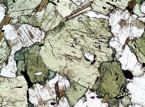 Igneous Minerals In Thin Section by Pics For Gt Hibole Thin Section Xpl
