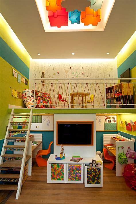 soffitti colorati stunning stanza bimbi disposta su due livelli colorata