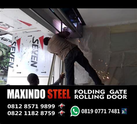 Toko Sepatu Gats Di Bekasi gambar proses instalasi rolling door industri