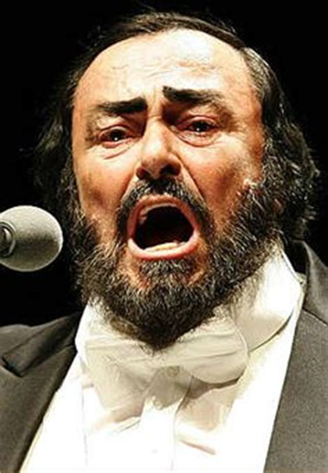 pavarotti best performance lucianno pavarotti on opera opera singer and