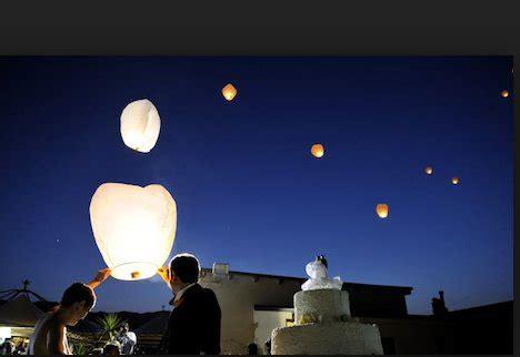 lanterne volanti piccole globi luminosi avvistati durante i terremoti meteo terremoti