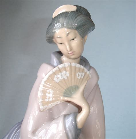 Lladro Handmade In Spain - lladro nao geisha with fan 13 quot high made in