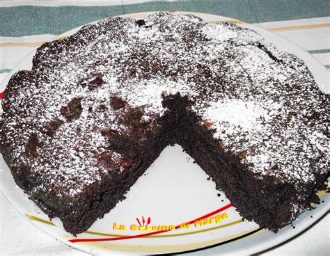torta al cioccolato morbida all interno torta al cioccolato senza farina ricetta dolci marge
