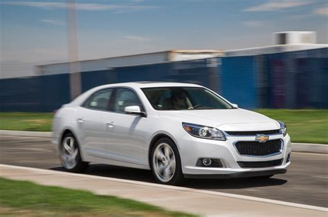 2015 chevrolet malibu turbo front three quarter 03 photo 5