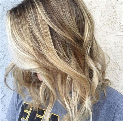 natural blonde hair with lowlights gorgeous mixed blonde toned highlights mixed with natural