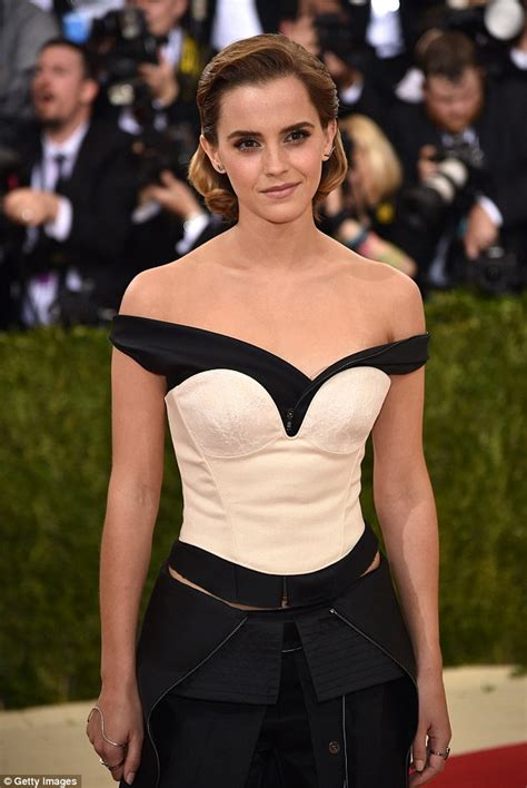 emma watson daily emma watson oozes class in showstopping off the shoulder